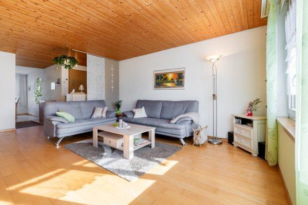 Ruhig gelegene 4.5-Zimmer-Wohnung in Seenähe
