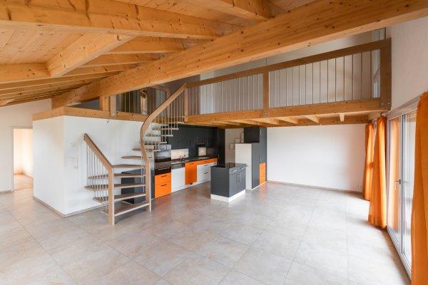 Moderne 4½-Zimmer-Wohnung über dem Thunersee