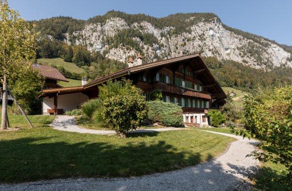 Grosszügiges 10-Zimmer Simmentaler Haus