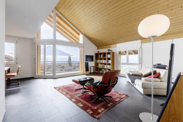 Zentrale 3½-Zimmer-Dachwohnung mit Panoramablick